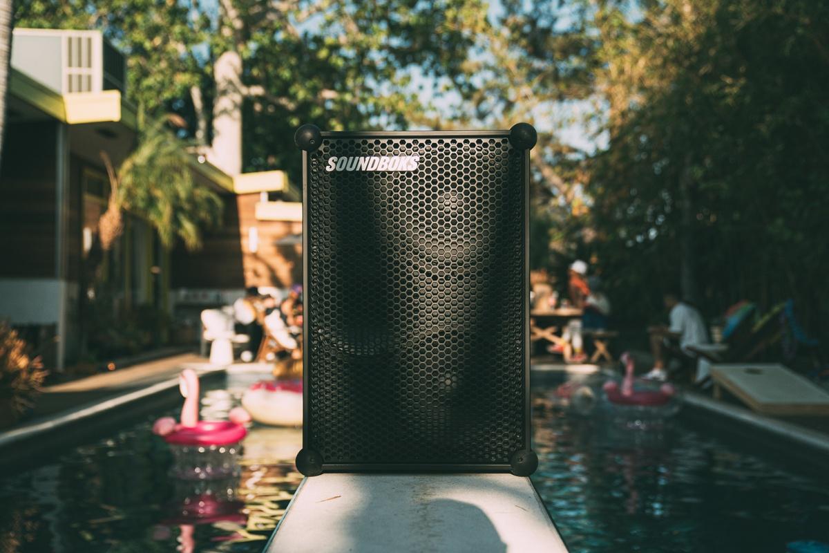 SOUNDBOKS bluetooth speaker