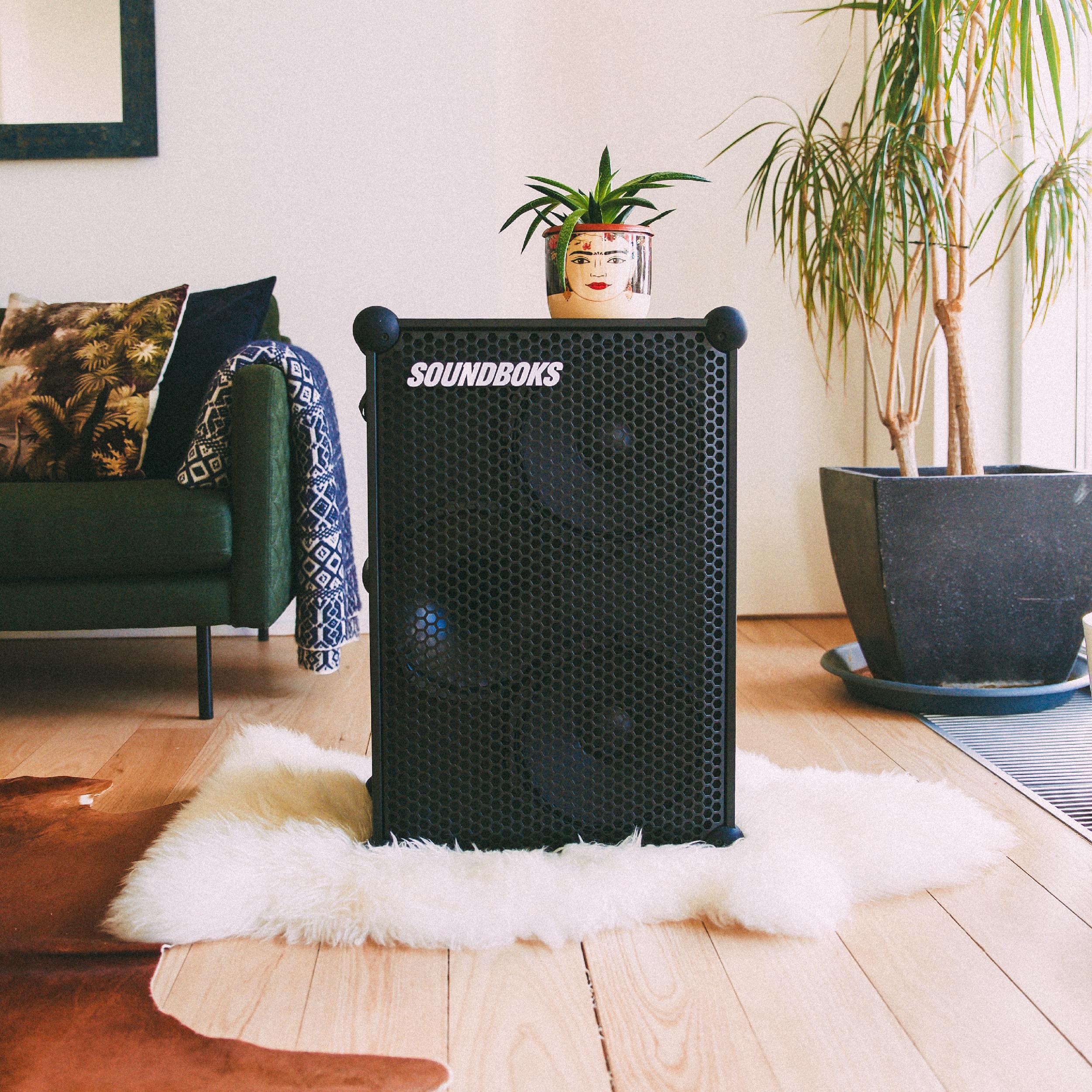SOUNDBOKS speaker in cozy home environment