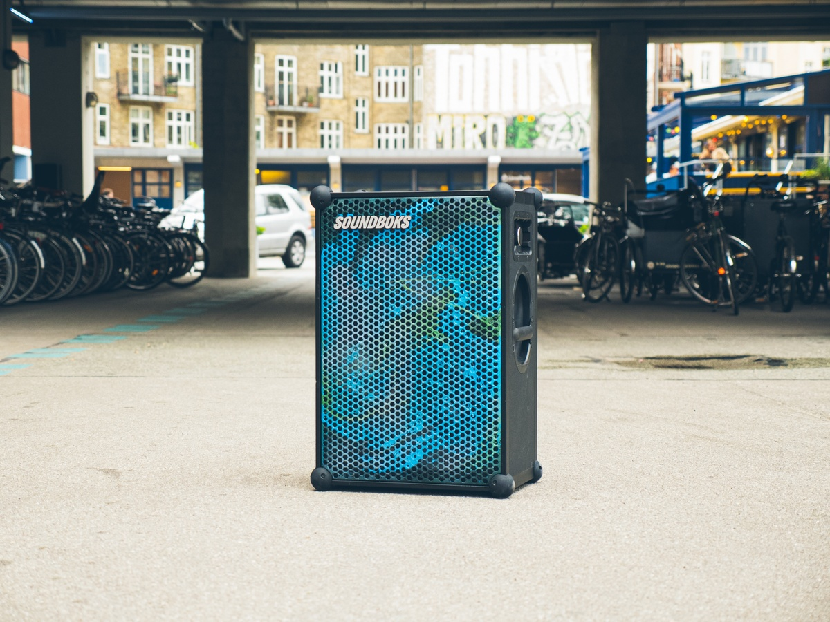 new soundboks customized in blue with hydrodipping