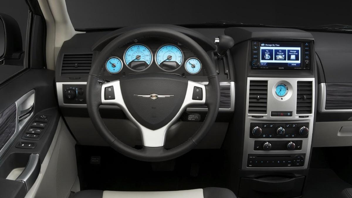 Chrysler_Interior_640x360.jpg