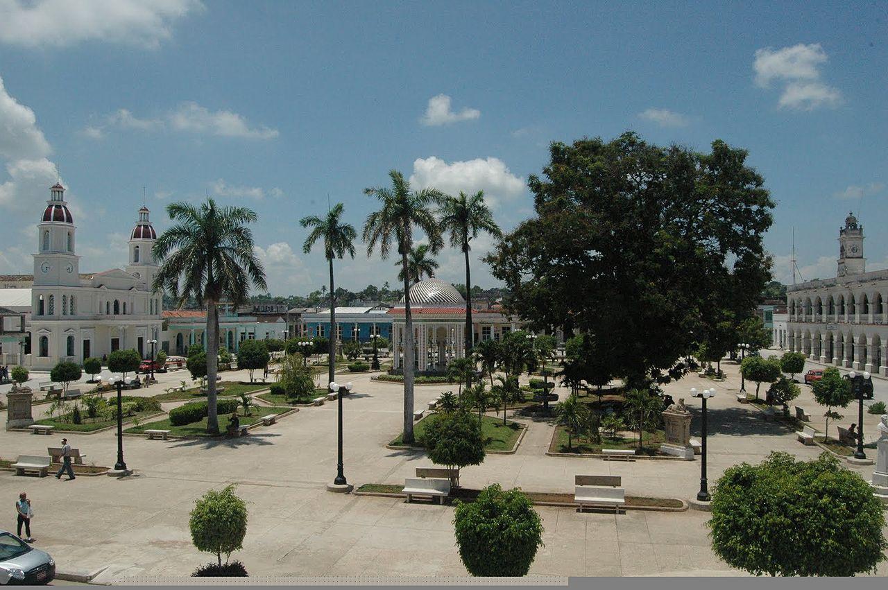 Plaza de Armas Manzanillo in Cuba