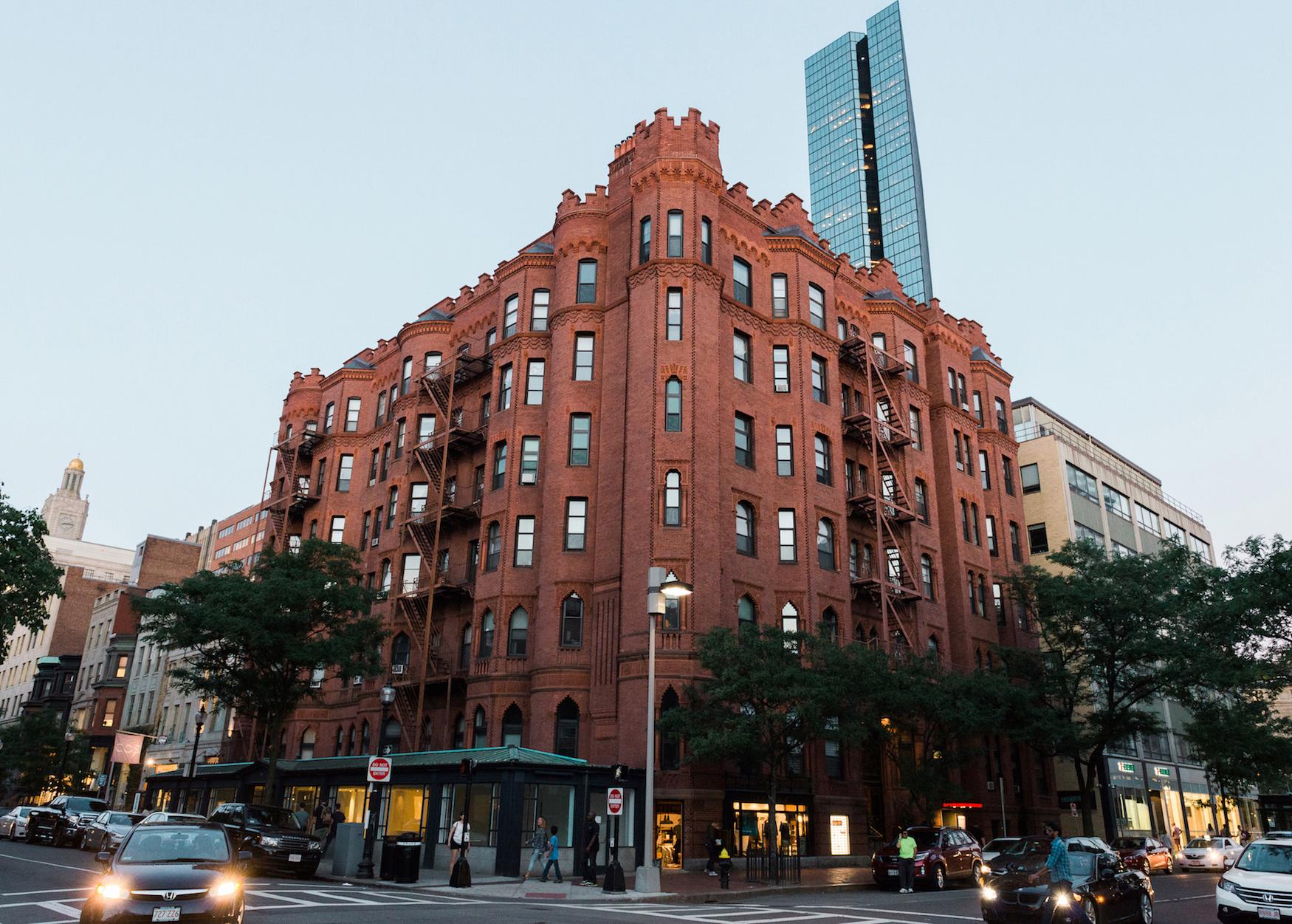 apartment-building-in-boston