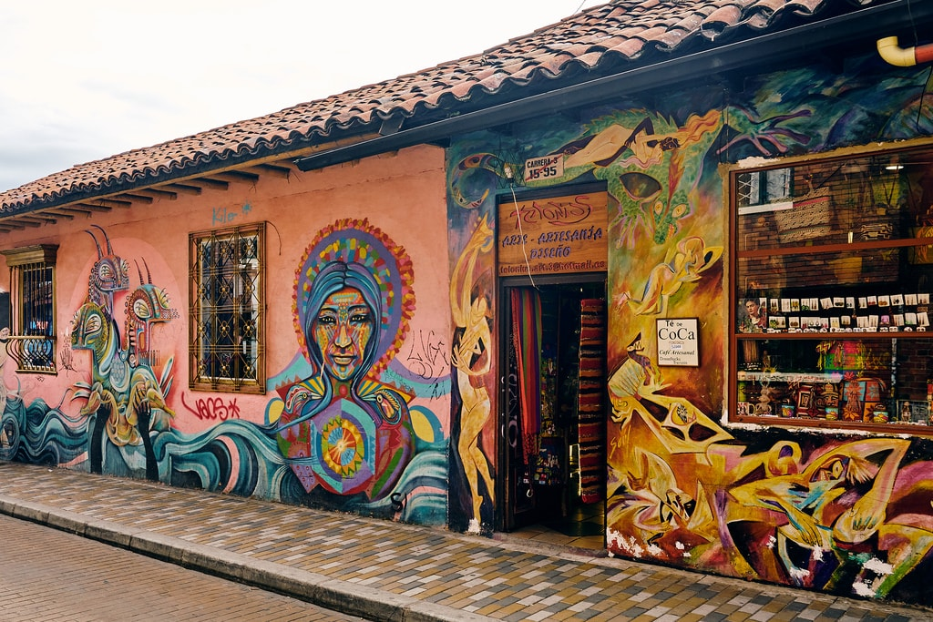 bogota graffiti  what to see in Colombia