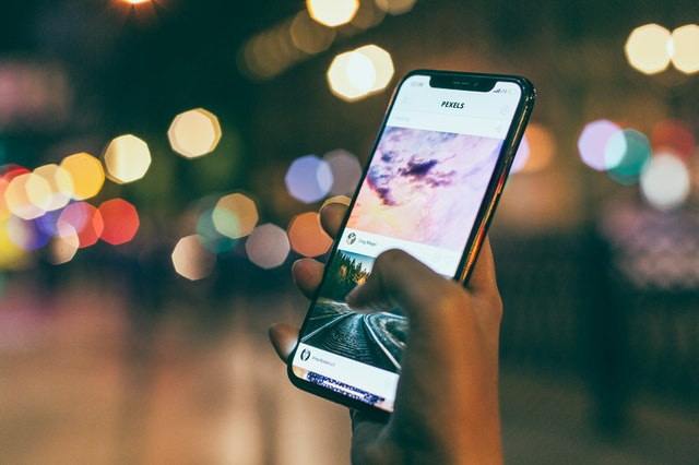 phone showing a virtual scavenger hunt