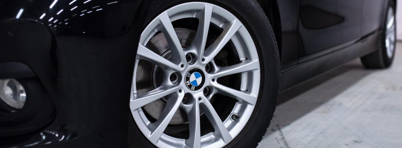BMW-Serie-3-2021-vs-Genesis-G70-2021