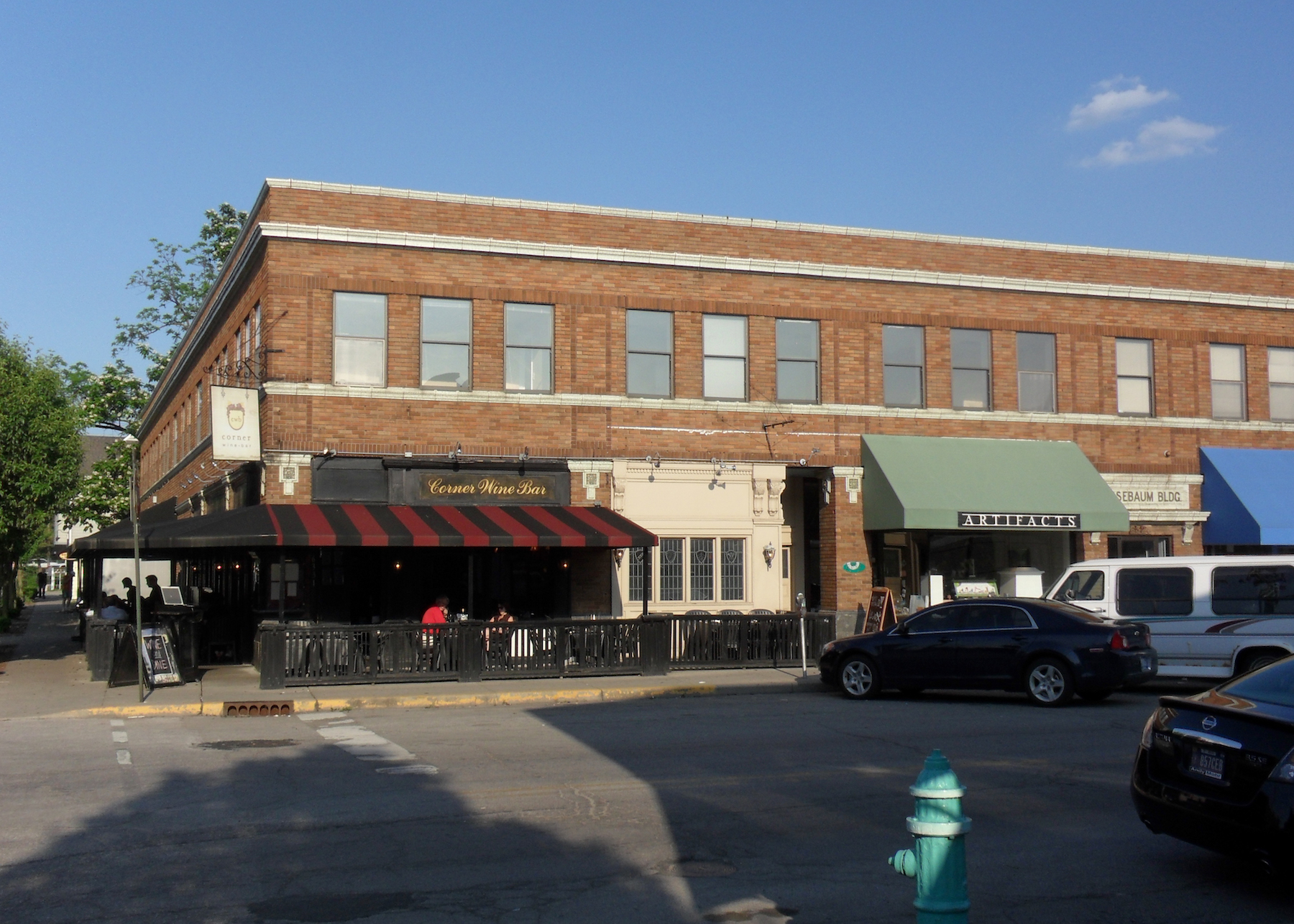 street-view-of-corner-wine-bar-indianapolis