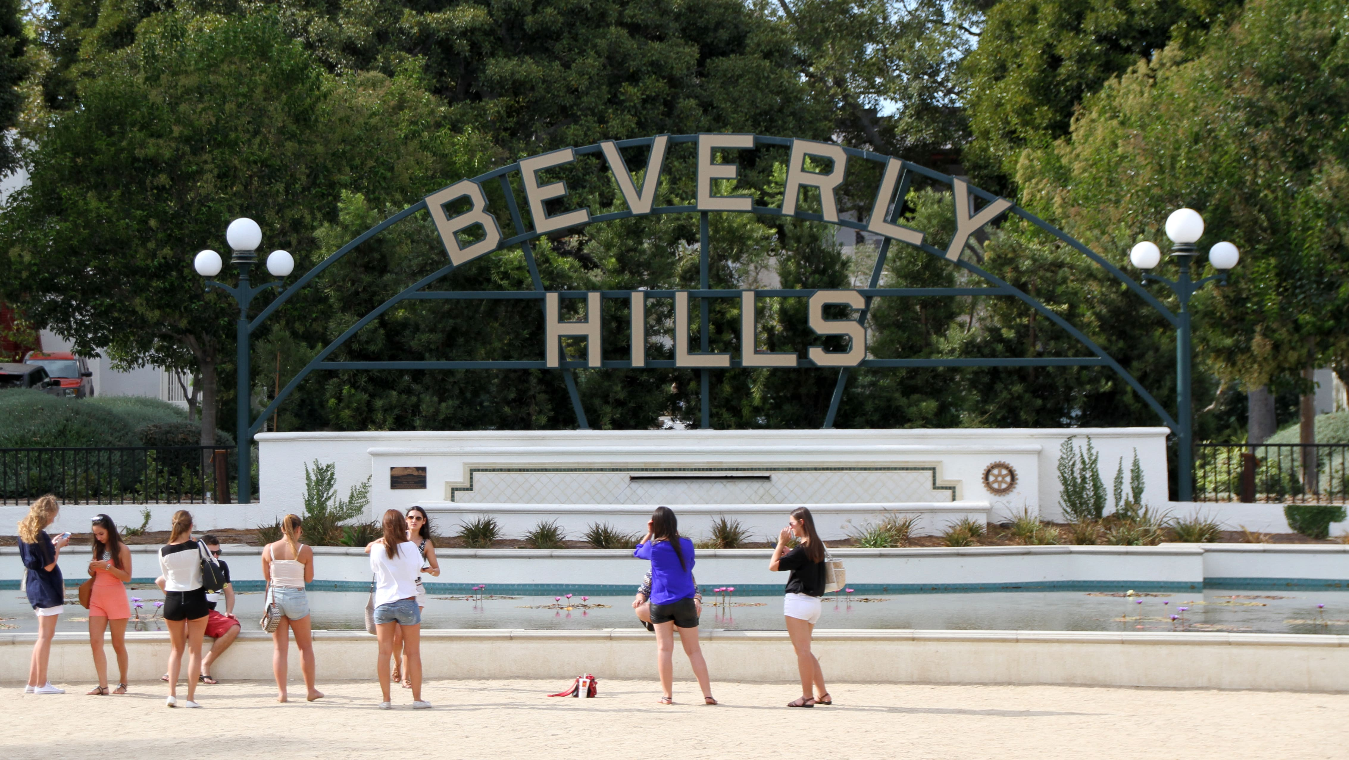 Is Los Angeles Safe? Yes but there are some neighborhoods you should avoid