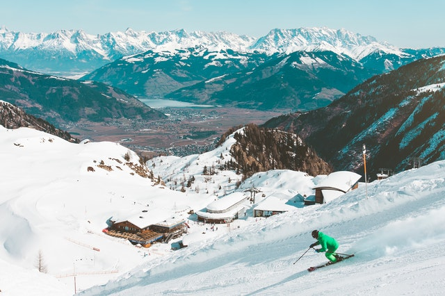 team building through skiing