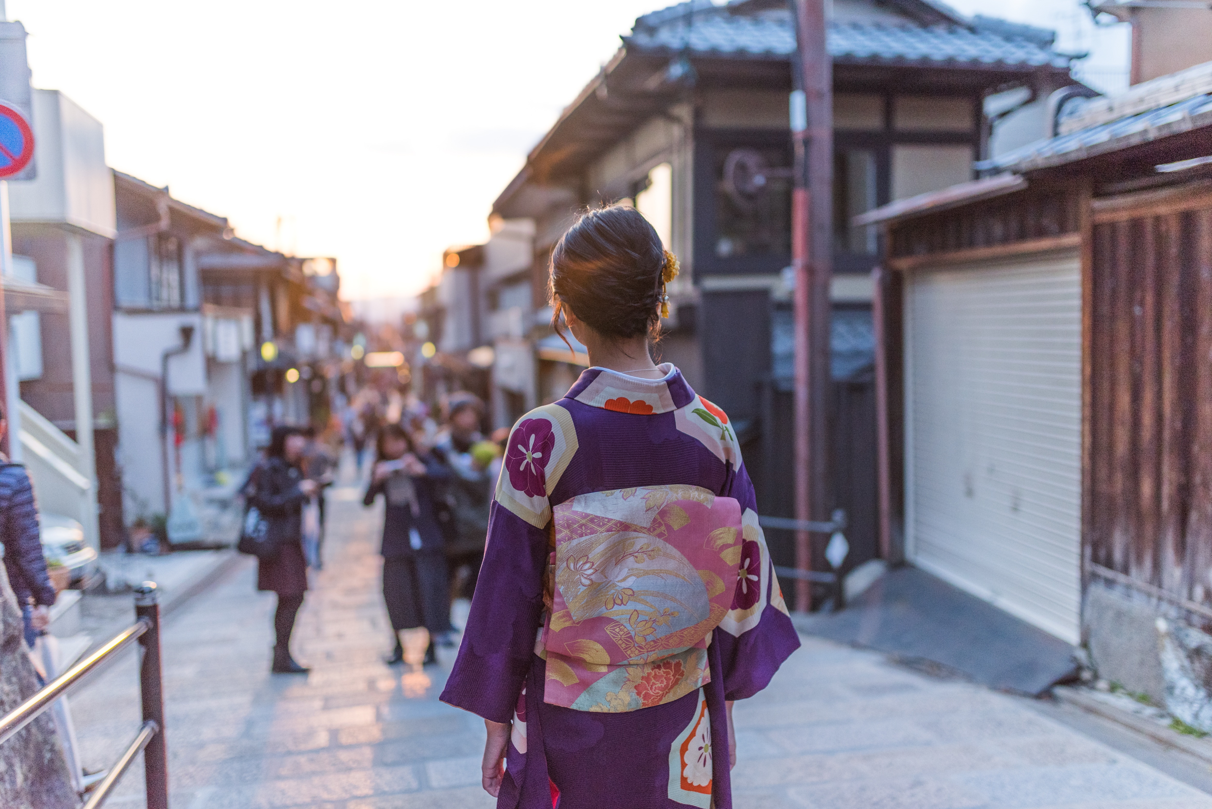 Kimonos are what to buy in Japan