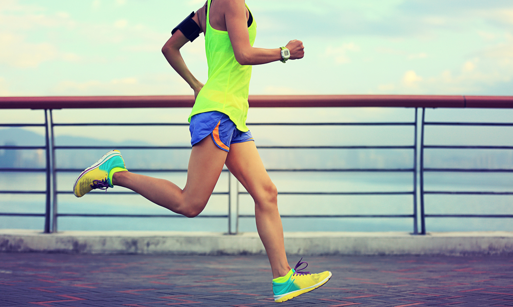 how to avoid running injuries with an even stride