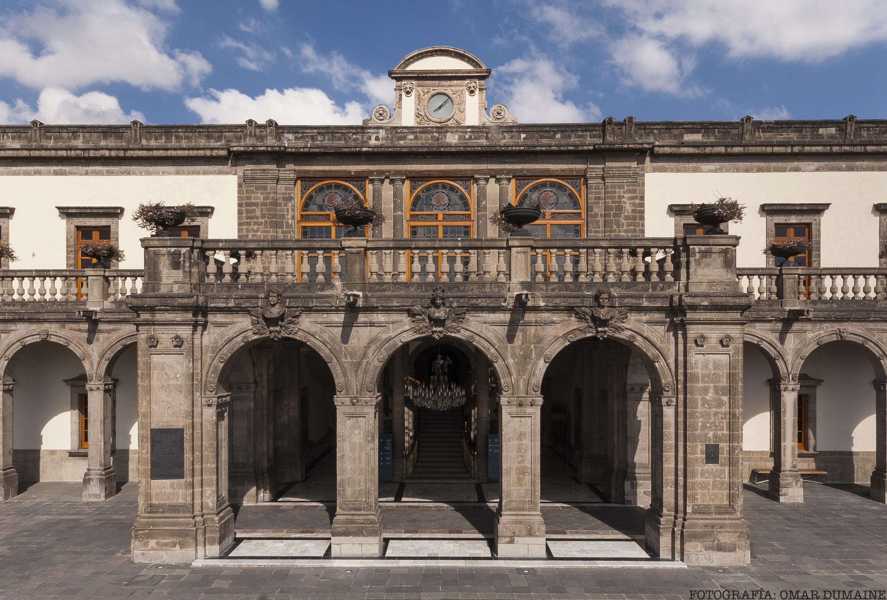 El Museo Nacional de Historia offers a great view of the city