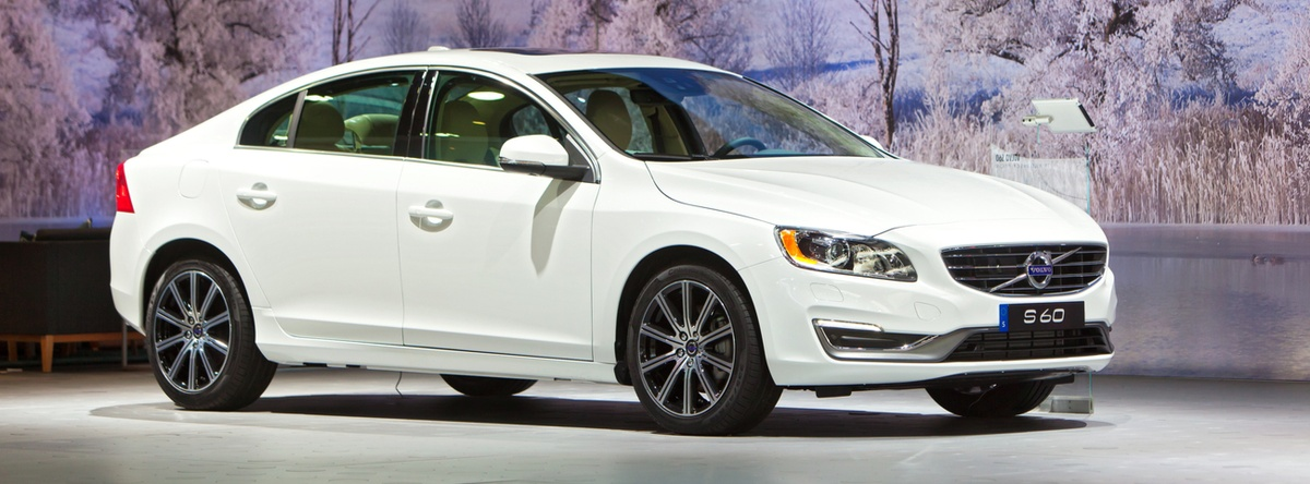 Volvo S60: estilo atractivo, cabina cómoda y características de lujo