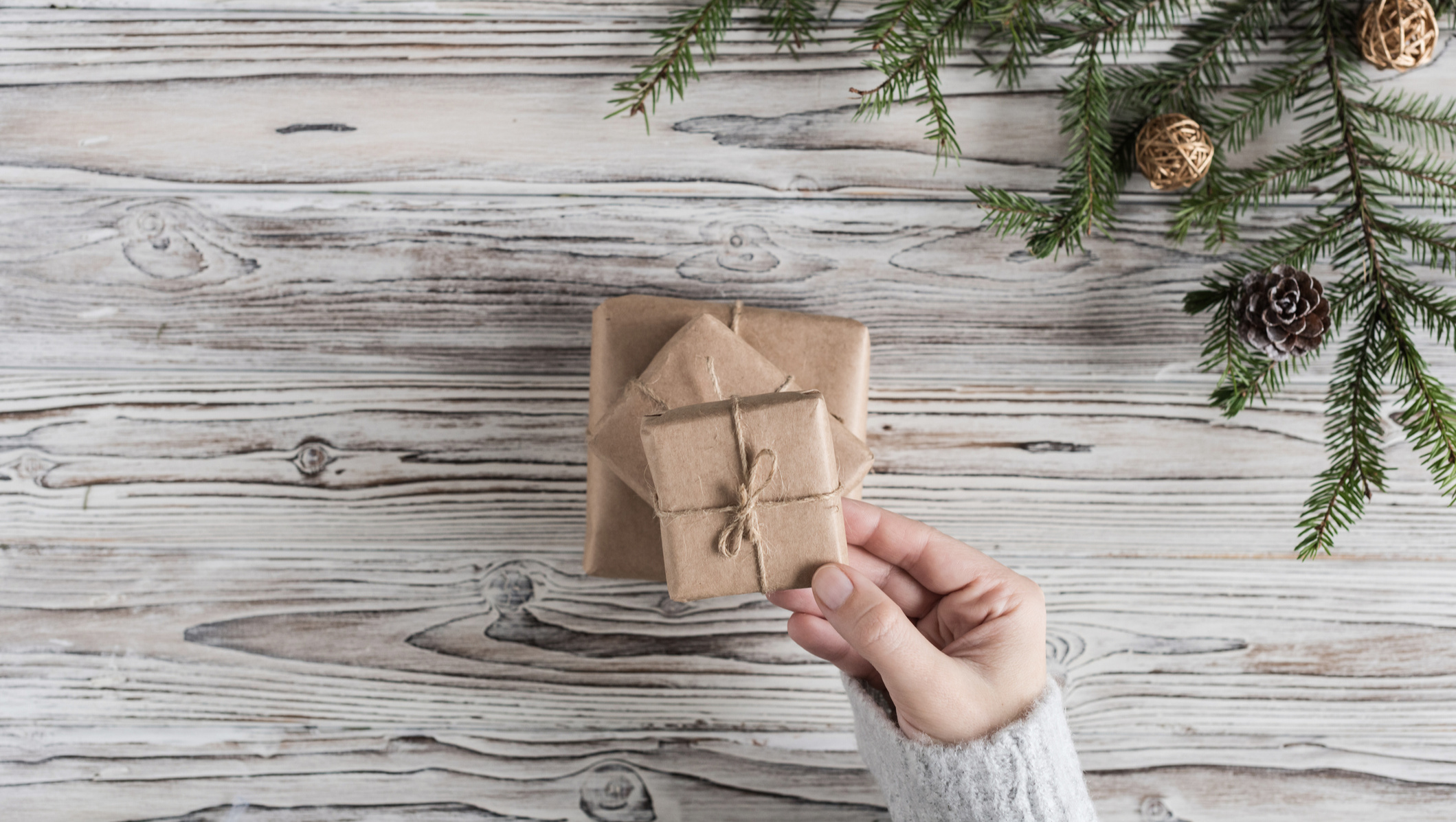 A Simple and Meaningful Christmas Gift Plan for Families