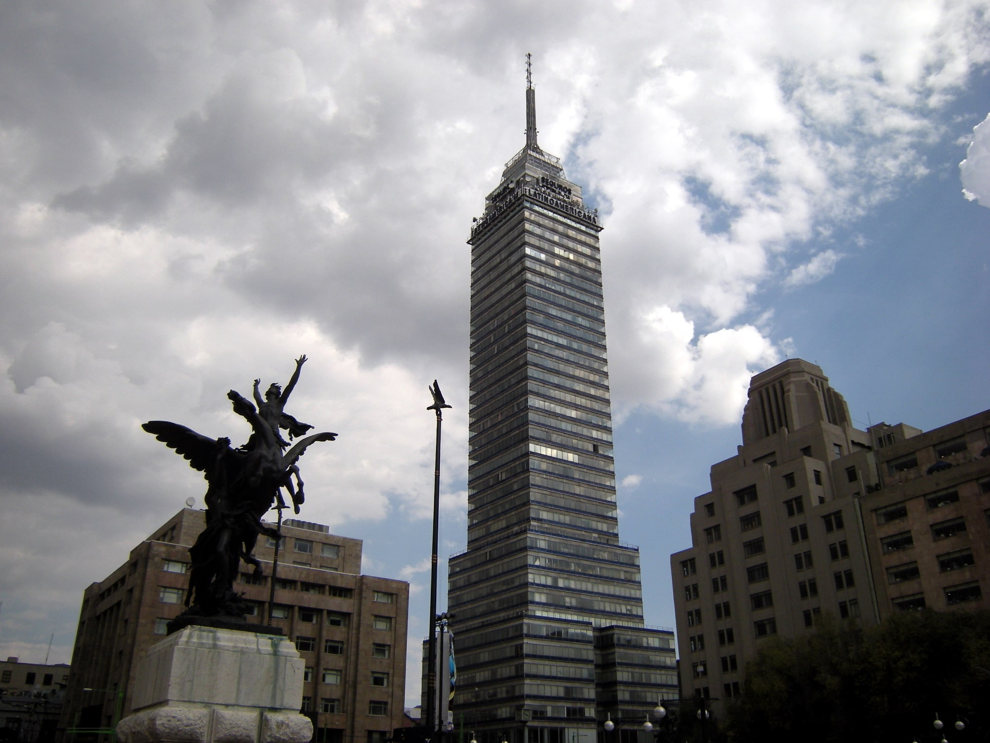 Torre Latinoamericana offers sweeping views of the city
