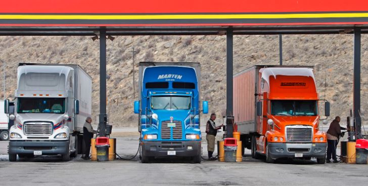 Trucking 101: How to Choose the Best Truck Stop