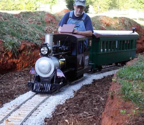 01.Tiny-trains-on-track.jpg