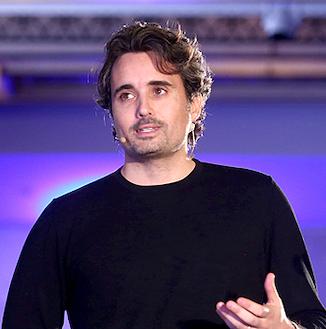 Gregory-Dewerpe-summit-speaker
