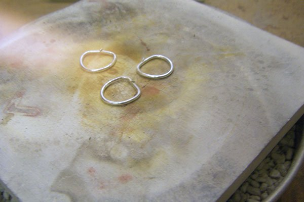 Heating the solder on the rings