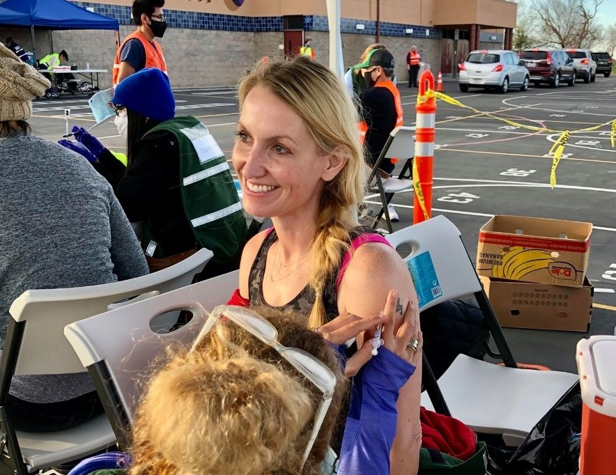 Recently, Synergy employee Bronwyn Roberts has been helping with COVID-19 vaccine rollout in Yolo, California.