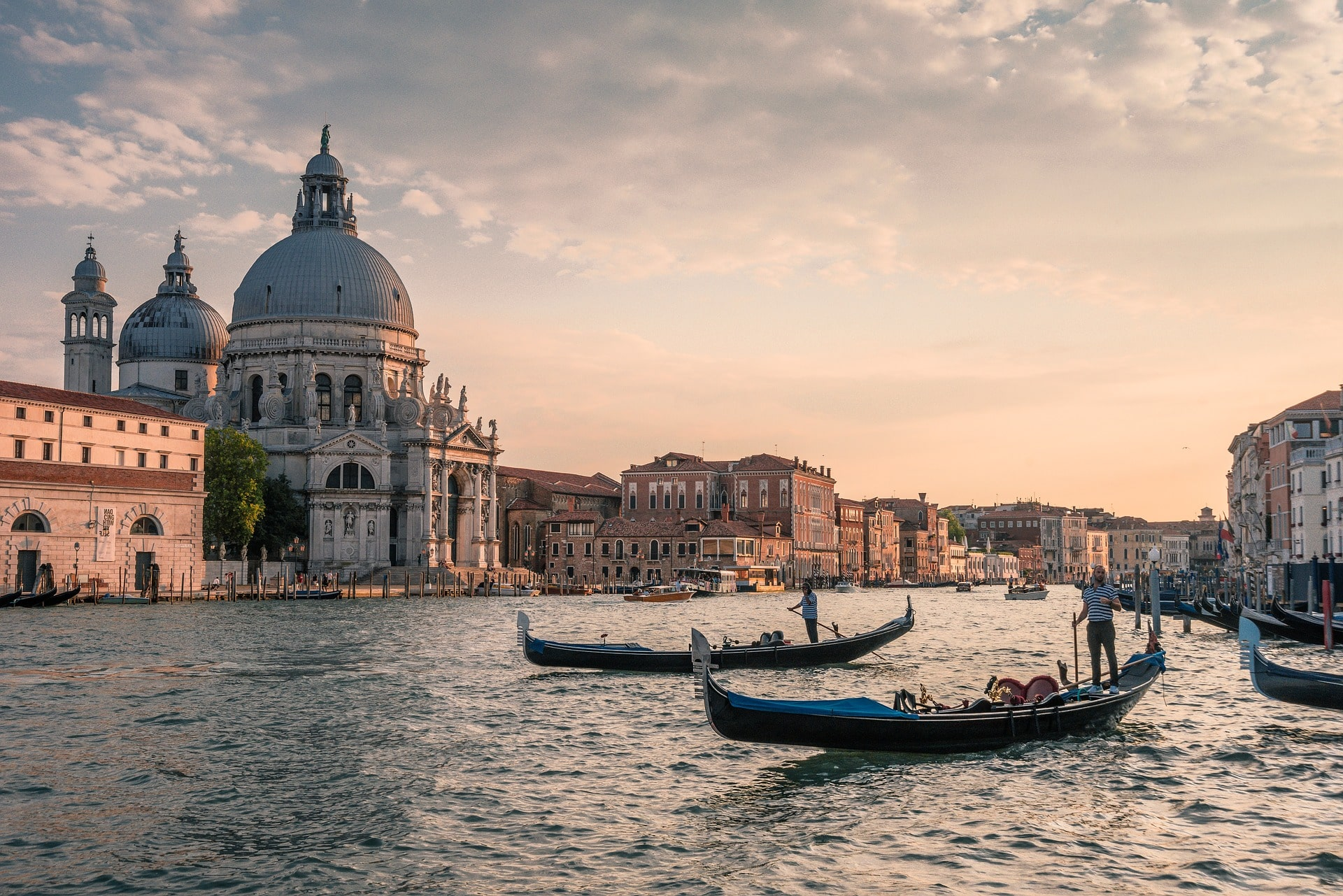 Where to stay in Italy for classic beauty and gorgeous canals? Venice!