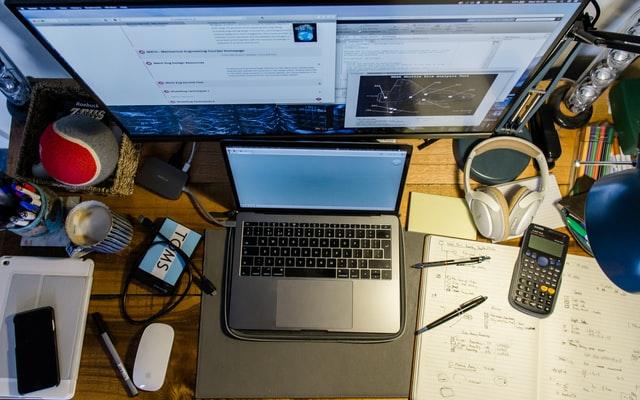 virtual-team-building-large-groups-desk.jpg