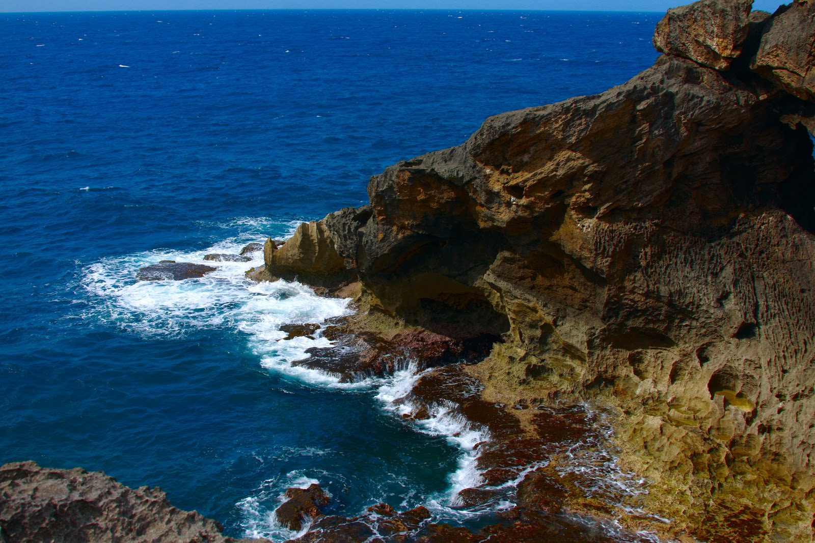 Cliffdiving off Cueva Del Indio is one of the fun things to do in Puerto Rico