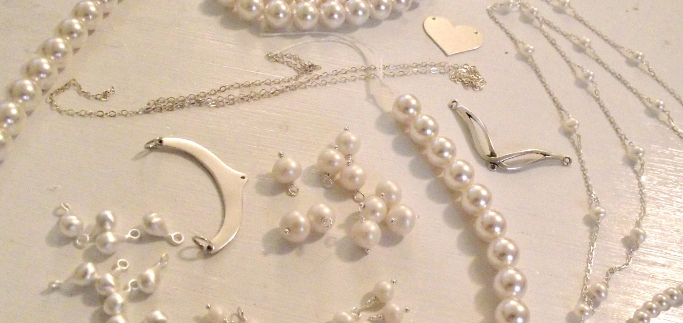 It is so important to continue learning and set aside time for play in the jewelry studio. Tammy Jones explores the creative process in this guest blog.