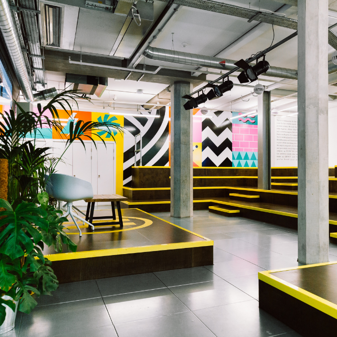 Huckletree-shoreditch-auditorium