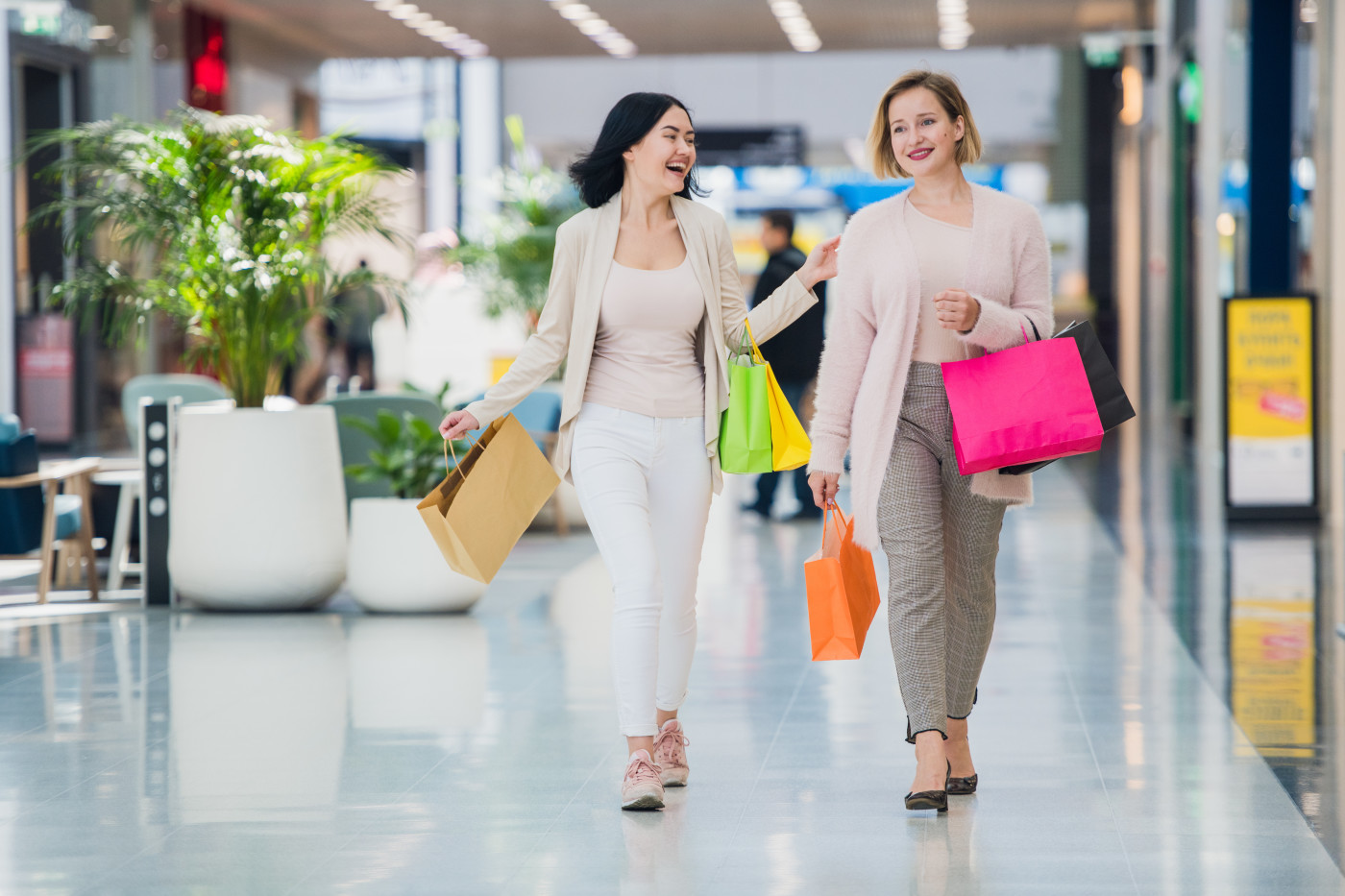 women shopping with credit card
