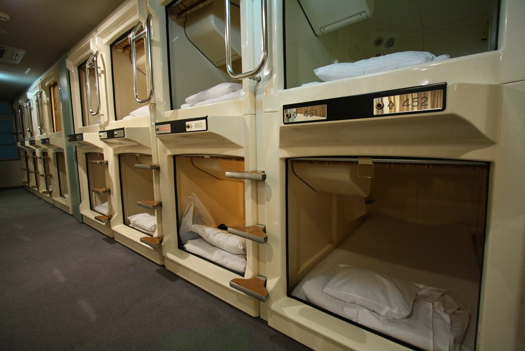 capsule pod hotel accommodations in japan