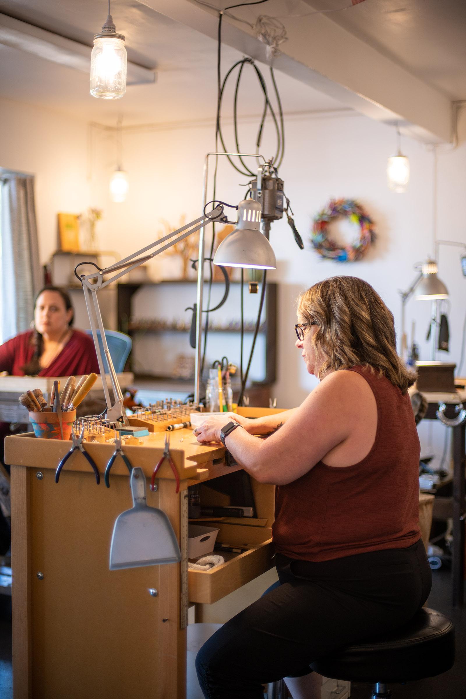 KP Studio - Jewelry Bench