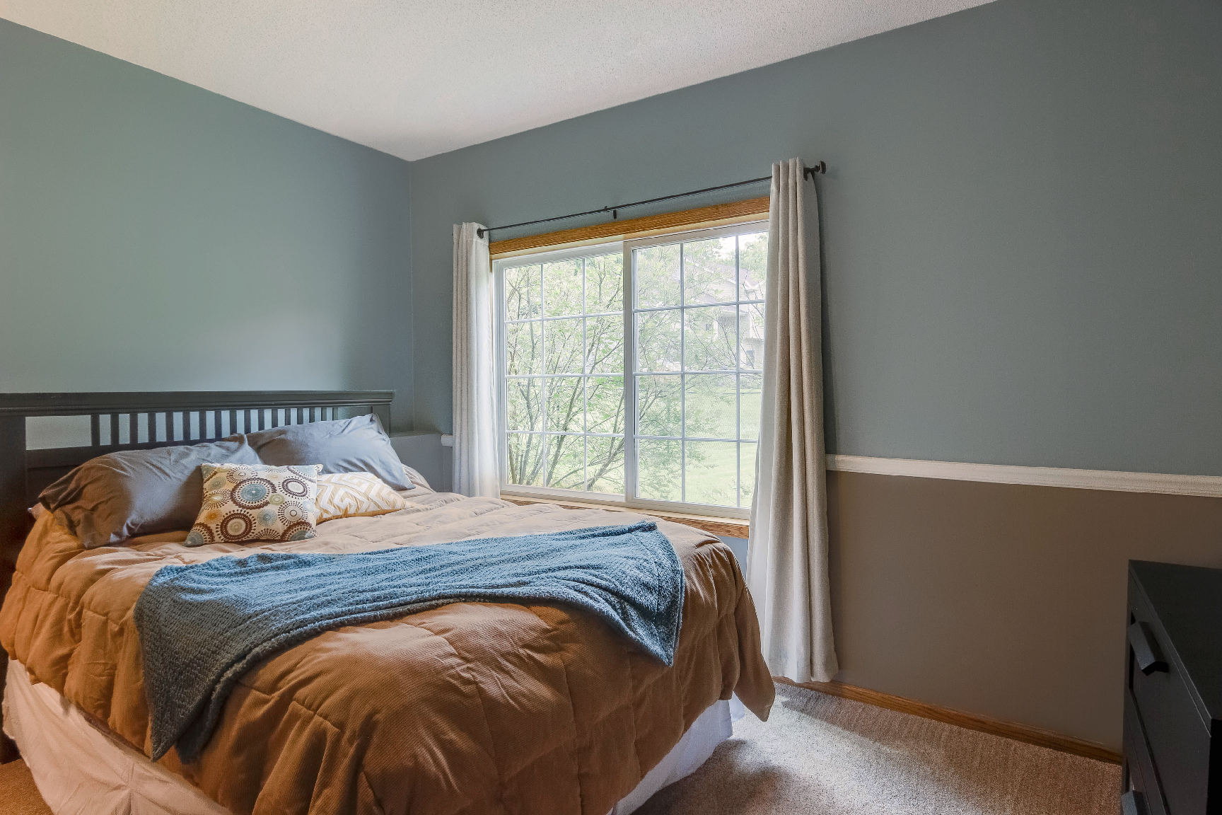 bedroom with Infinity from Marvin replacement slider window