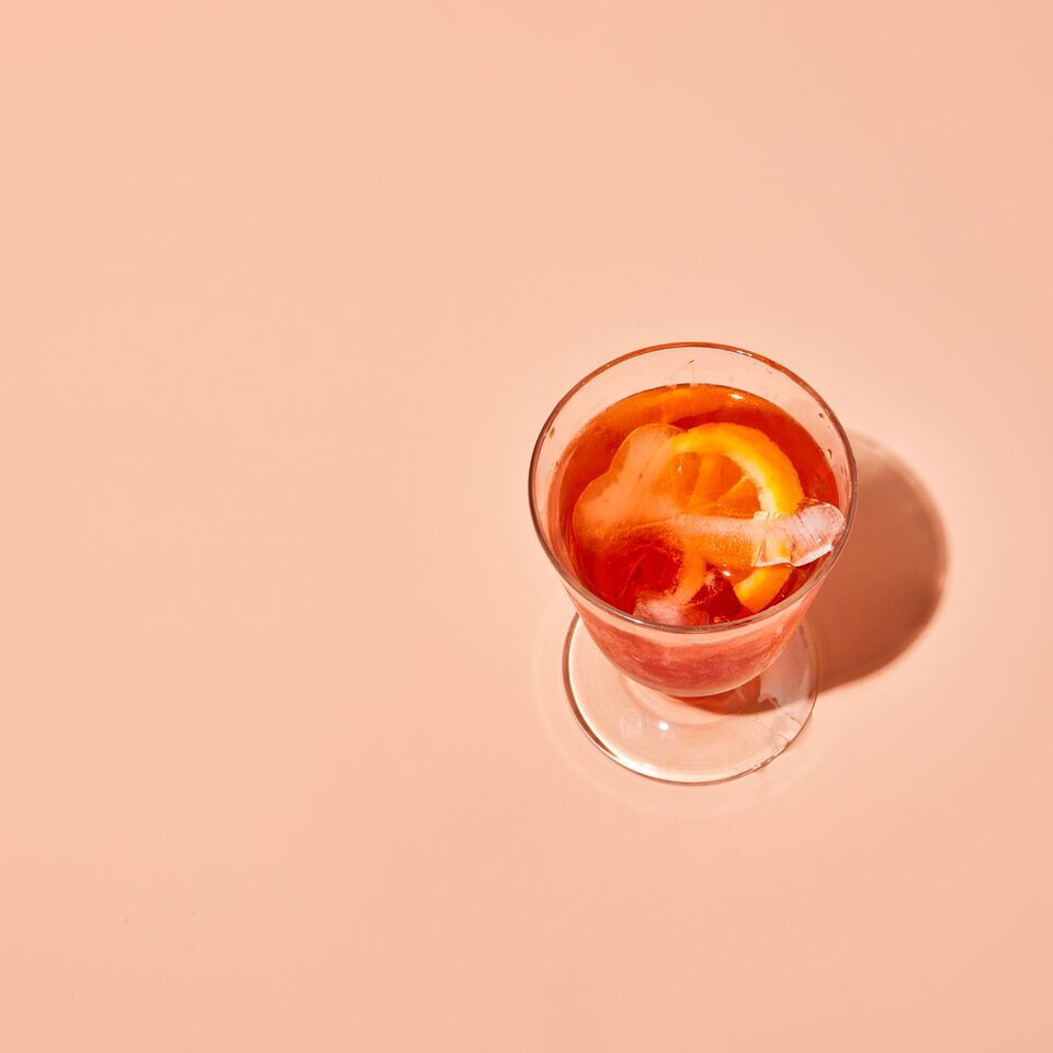 8 Essential Winter Cocktails to Warm You Up