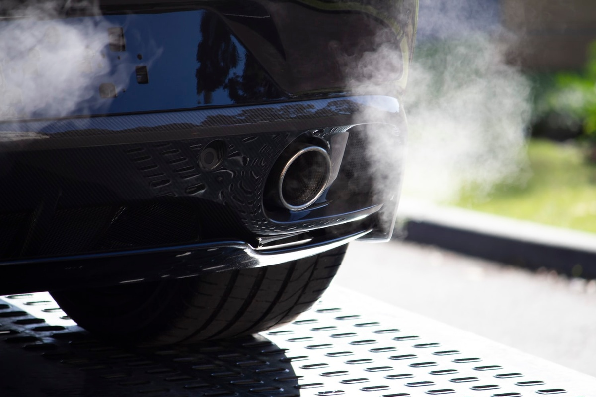White Smoke from Diesel Engine: Common Causes and How to Fix Them