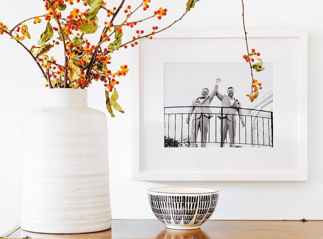 interior design ideas black and white flowers