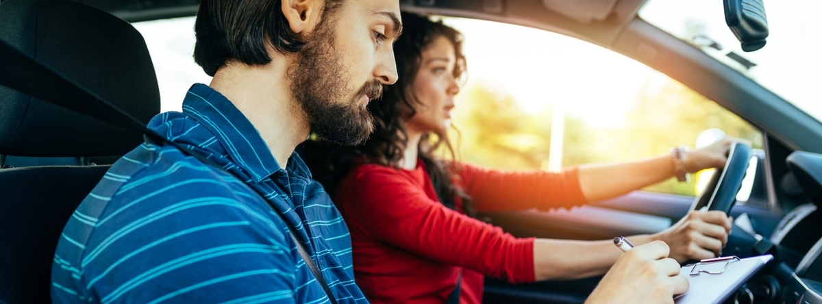 ¿Eres nuevo al volante? Conoce cómo aprender a manejar de forma segura con 10 sencillos pasos para que desarrolles los mejores hábitos de manejo.