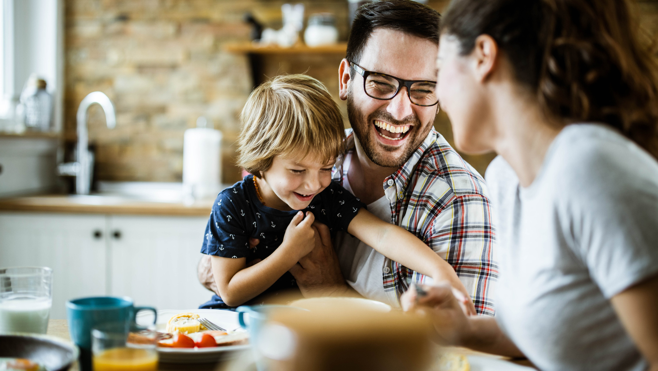 6 Ways to Make Family Dinner Fun and Meaningful
