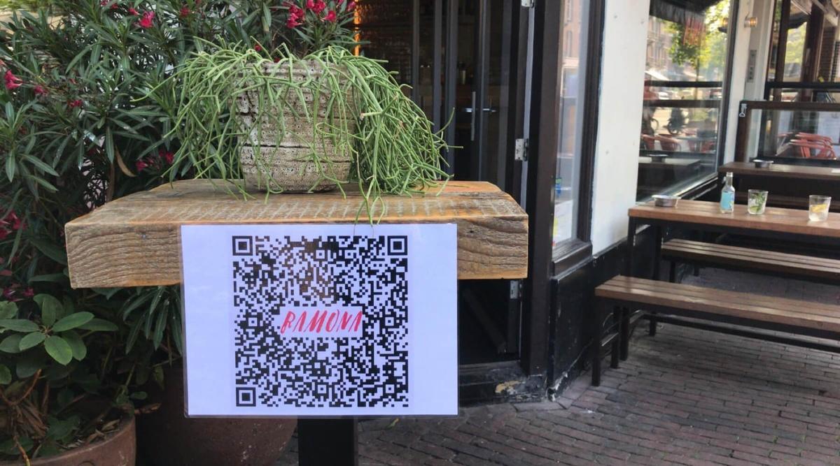 Eftersom gästerna kan registrera sina kontaktuppgifter digitalt har Bar Ramona fått mer tid för dem