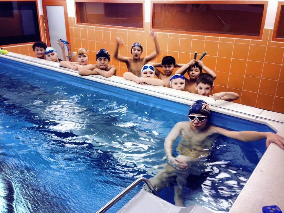 young swimmers at the Endless Pool at Tube Swim School in Kazakhstan