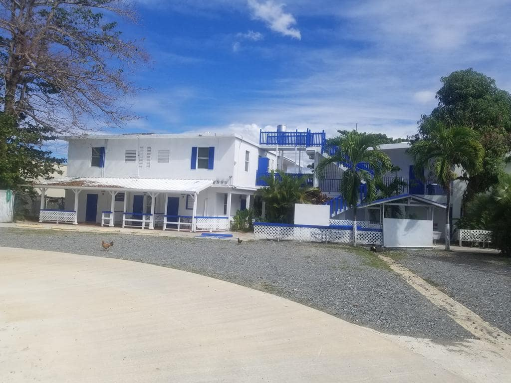 Beachside Rincon Inn is a perfect hostel in Puerto Rico for those who love to surf