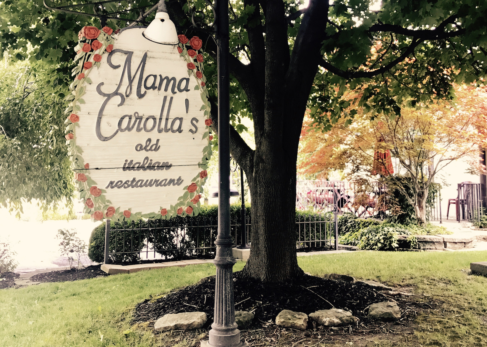 mama-carollas-sign-indianapolis
