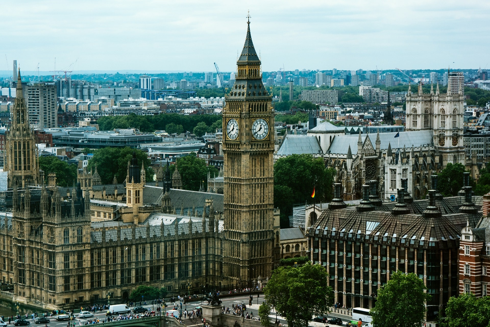 Grand Big Ben is a cool place to visit in London