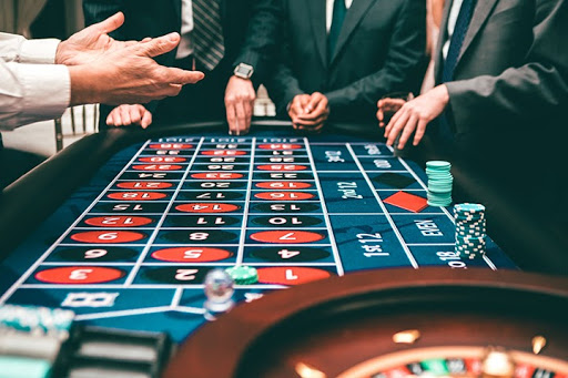 playing-casino-roulette.jpg