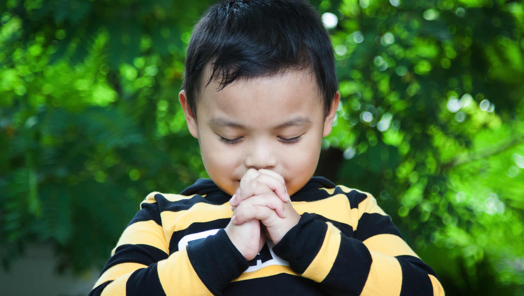 Simple Habits to Help Your Kids Pray Throughout The Day