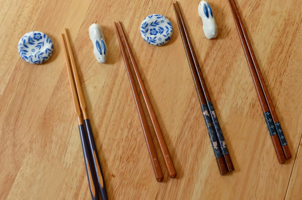 chopsticks are what to buy in Japan
