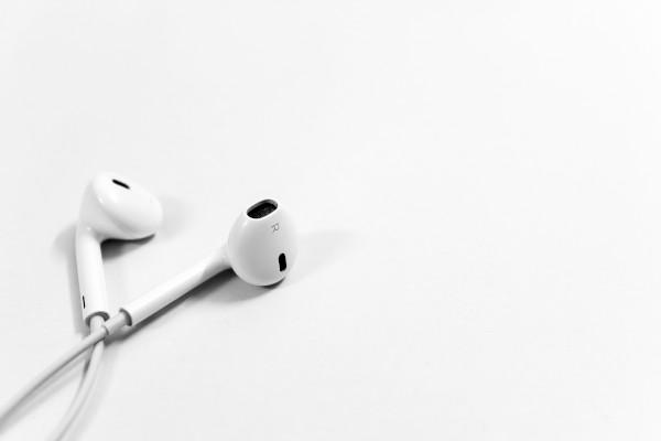 2. earphone ok.jpg