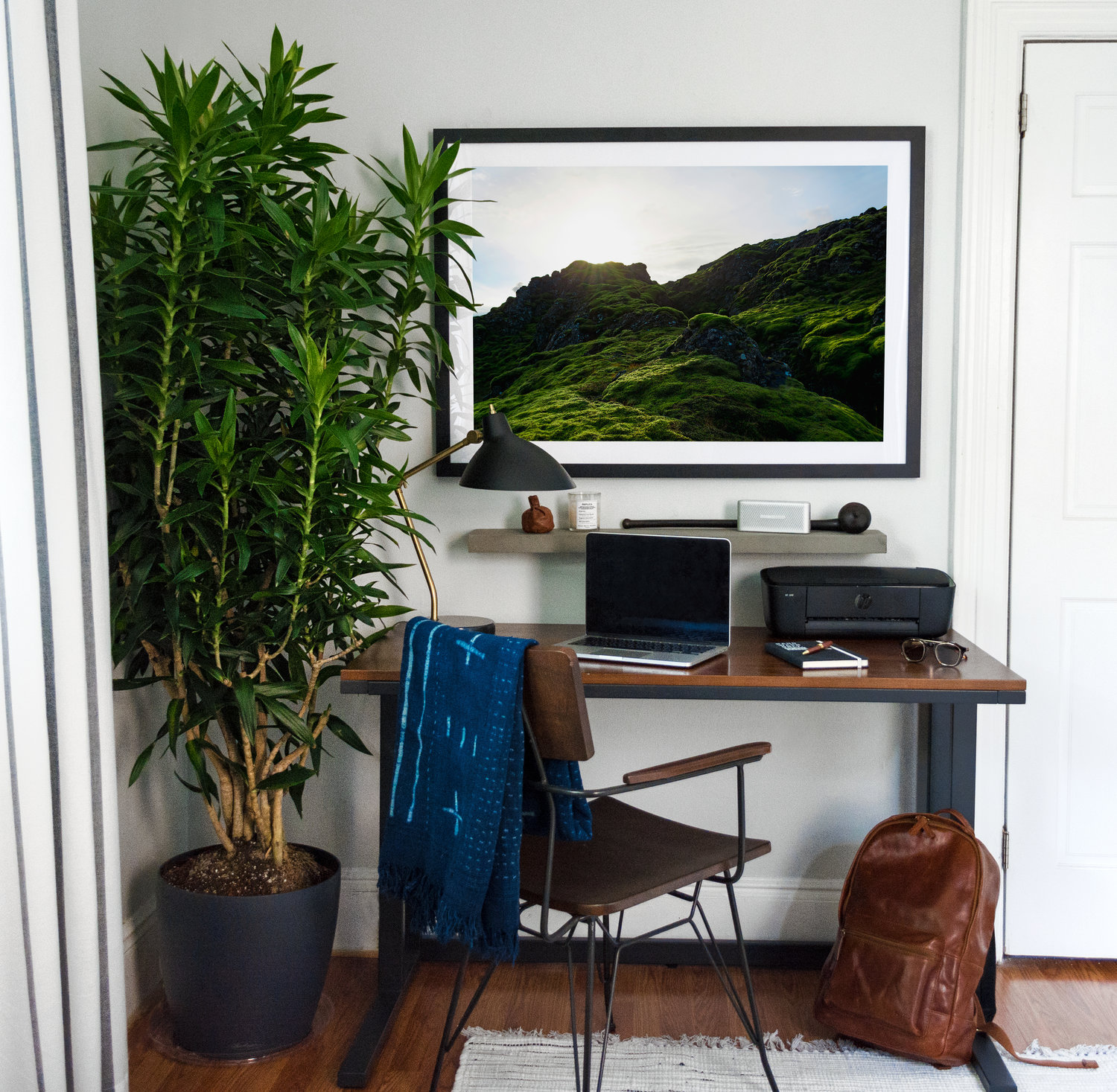 Custom framing large photographs