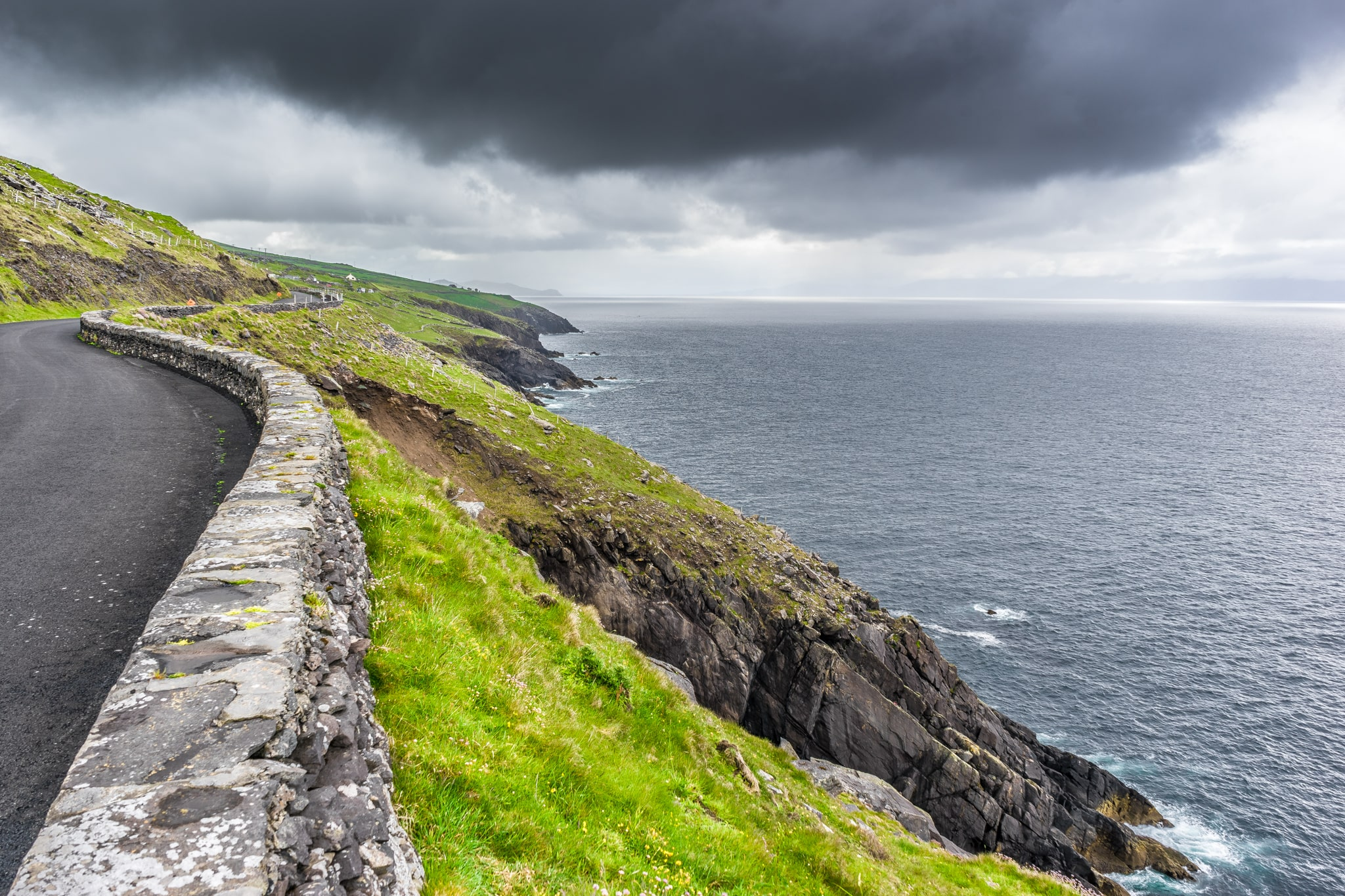 Driving around Dingle is an awesome thing to do in Ireland