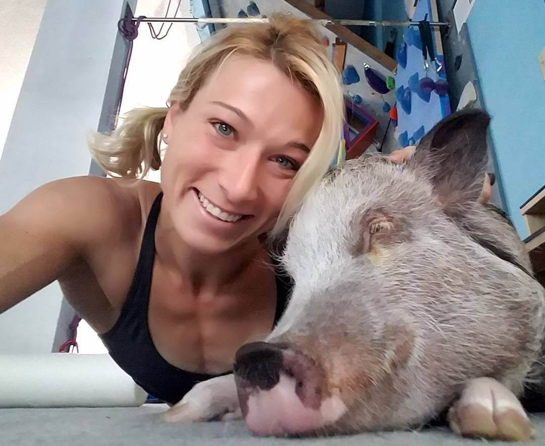 American Ninja Warrior Jessie Graff and her pig, Sammo