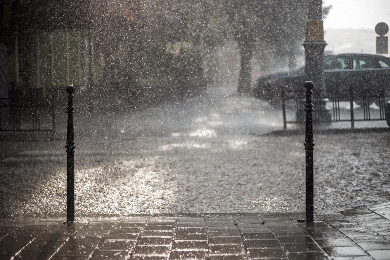 rain on street green roof detention-p...